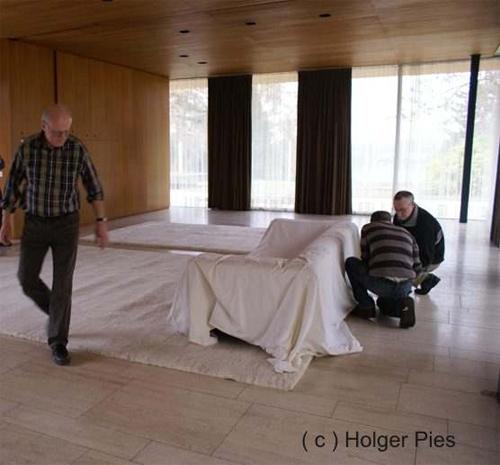 Teppich Pies - Verlegung der Berber Teppiche im Bundeskanzler-Bungalow